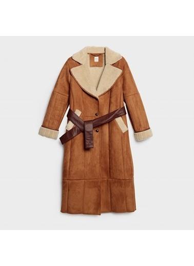 Yargıcı Dikiş Detaylı Uzun Palto Taba